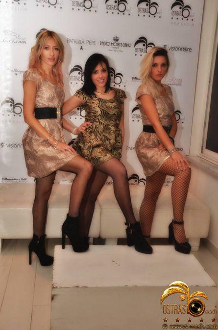 foto discoteca ostras ragazze in versilia