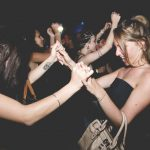 ragazze in versilia hangar club