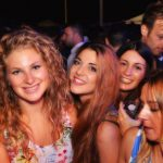 ragazze in versilia discoteca ostras