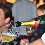 domenica in versilia aperitivo ostras champagne