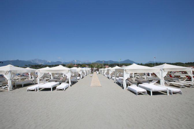 sabato twiga beach stabilimento