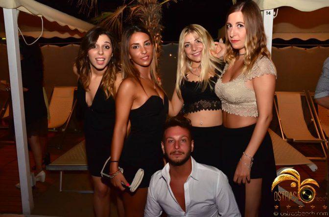 conoscere ragazze in discoteca foto ostras beach