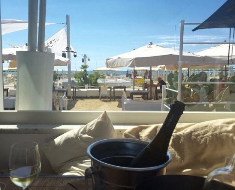 ostras beach club spiagge in versilia
