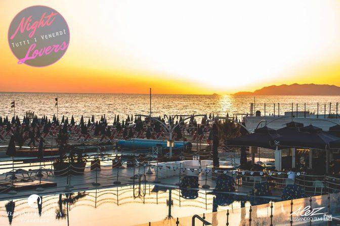 Spiagge viareggio bagno balena discoteche versilia - Bagno genova viareggio prezzi ...