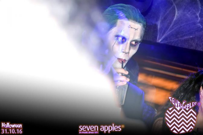 discoteca halloween seven apples