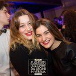 amiche in discoteca una notte da leoni capodanno