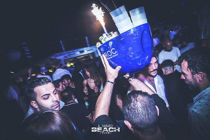 bottiglie tavolo capodanno beach versilia 2018