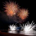 fuochi d'artificio festeggiare il capodanno a forte dei marmi
