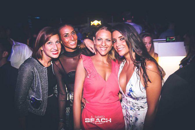 incontrare belle ragazze capodanno beach versilia 2018