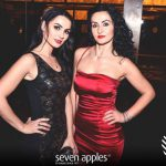 ragazze discoteca seven apples