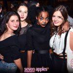 ragazze giovani versilia seven apples