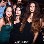 ragazze sabato seven discoteca