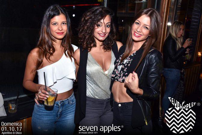 ragazze versilia domenica discoteca seven