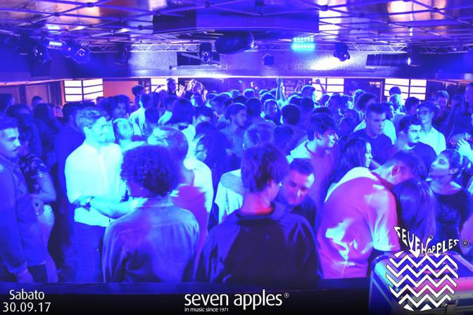 sabato sera seven apple