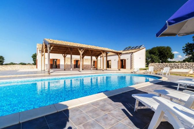 holidays villas in sicily