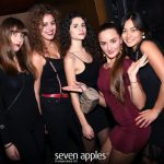 ragazze foto seven apples