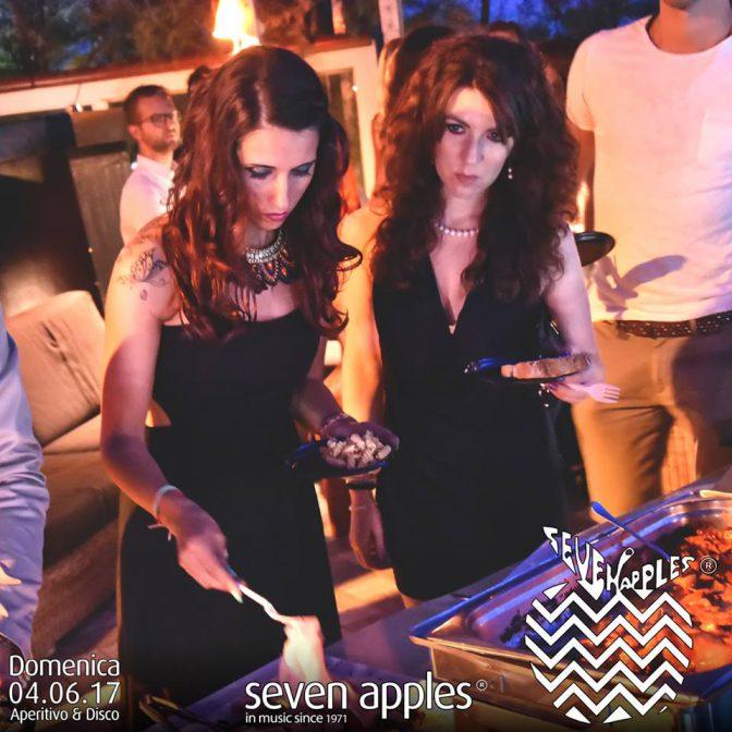 seven apples aperitivo domenica versilia