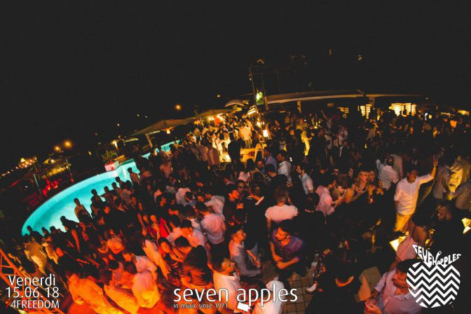 venerdi foto seven apples